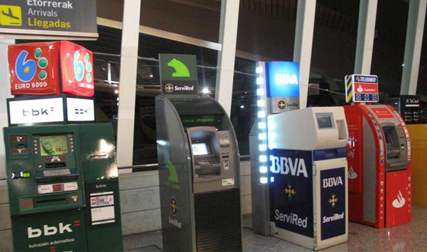 España: las redes de ATM y tarjetas Servired, 4B y Euro 6000 aprueban su fusión