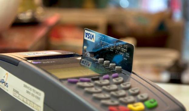 Consumo con tarjetas de crédito en Argentina creció 41% en 2016
