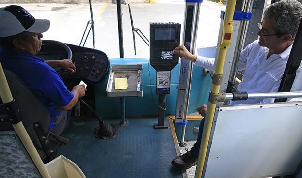 El pago electrónico en el transporte público costarricense da su primer paso