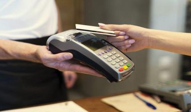Paraguay sigue último en el uso de tarjetas para pagos