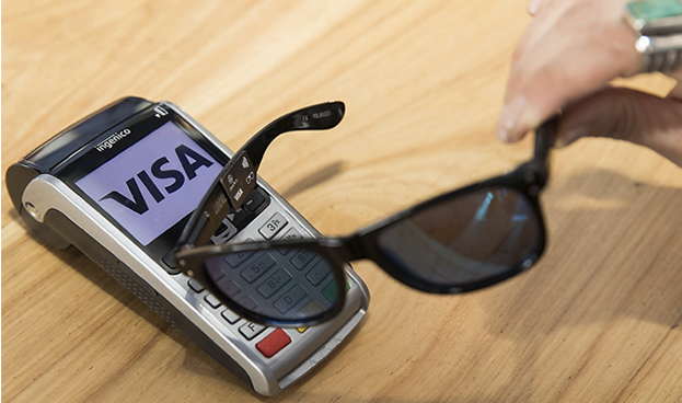 Visa prueba gafas con NFC