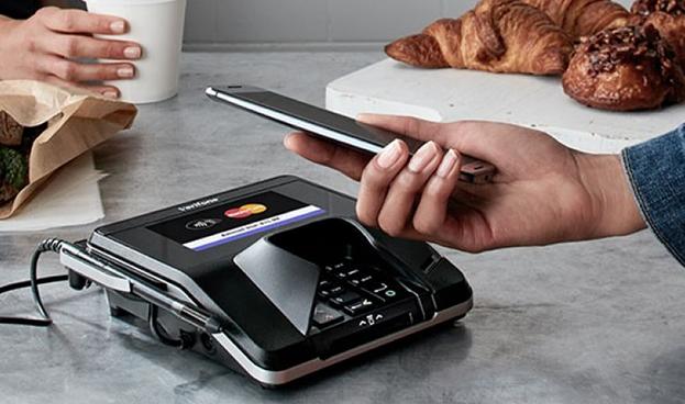 El 50% de consumidores utilizará teléfonos para realizar pagos en 2018, según Mastercard