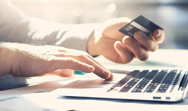 El 25% de los españoles compra por internet semanalmente, según Mastercard