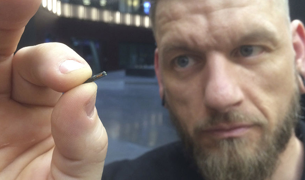 Empresa sueca coloca microchips a sus empleados para reemplazar llaves y tarjetas de crédito