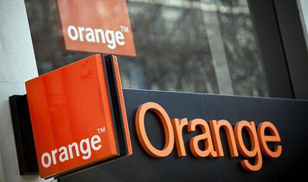 Orange prepara el aterrizaje de su banco móvil en España