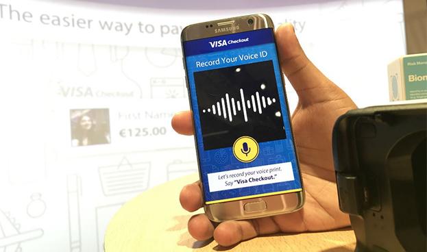 Visa permitirá ordenar pagos a través del celular usando solo la voz