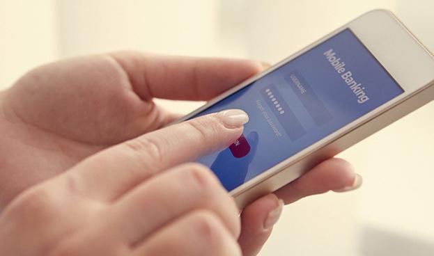 El 64% de los españoles se relaciona con su banco a través del teléfono móvil