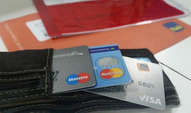 La emisión de tarjetas de crédito se redujo un 9% en Paraguay en un año