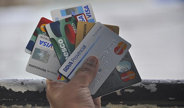 Venezuela: transacciones con tarjetas de crédito y de débito aumentaron 41% en un año