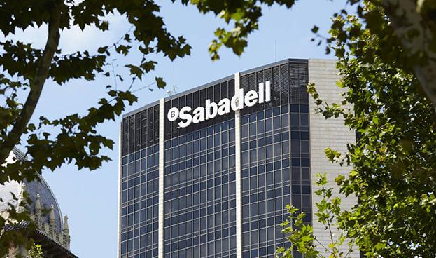 El Sabadell da el salto al mercado mexicano de particulares con un banco móvil