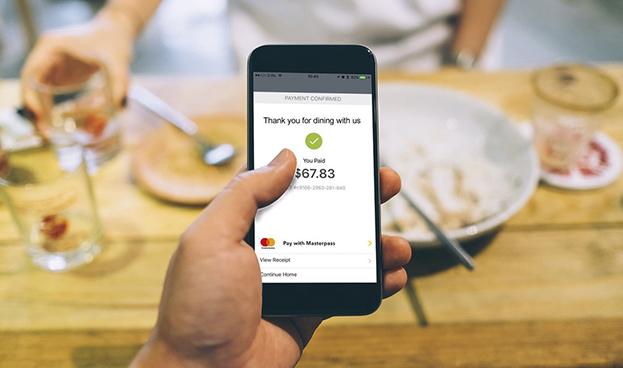 En España el 30% de los consumidores digitales ya paga con el móvil en tiendas físicas, según Mastercard
