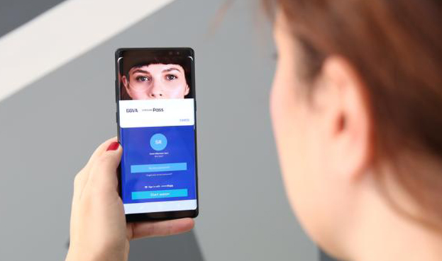 BBVA implementa el acceso a su banca móvil a través del iris y el rostro