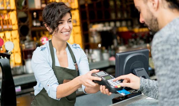 Argentina: los hombres gastan más que las mujeres con la tarjeta de crédito