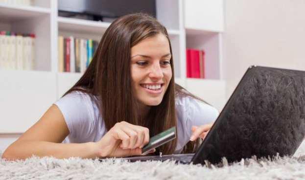 Millennials descartan tarjetas de crédito y amenazan al sector en EE.UU.