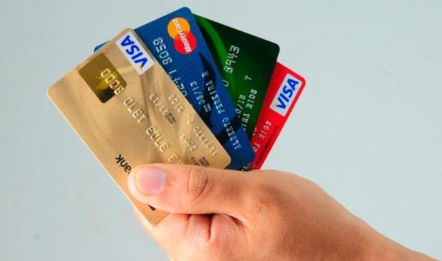 Goldman y Wells Fargo evalúan ingresar a tarjetas de crédito