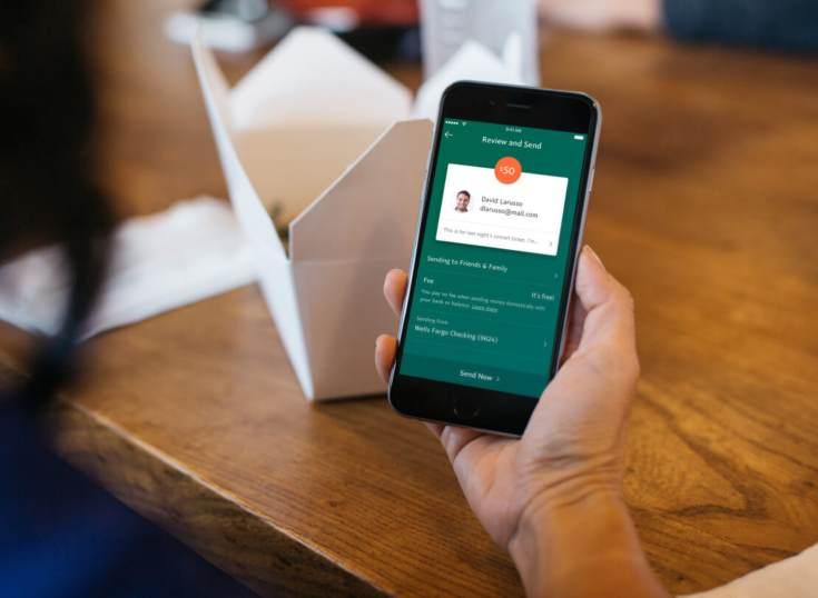 Las razones de porqué Apple Pay es el servicio de pago P2P móvil mejor calificado
