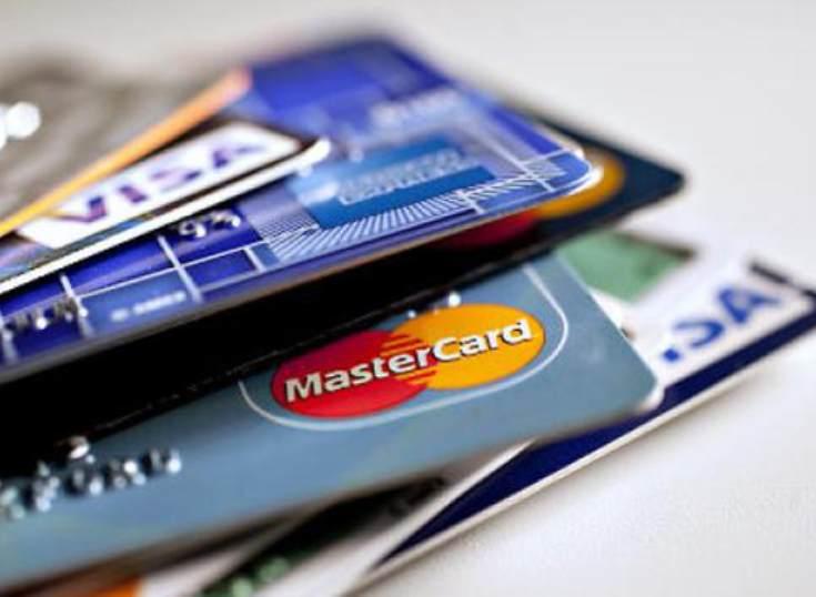 Las tarjetas de crédito y débito superan por primera vez los 80 millones en España