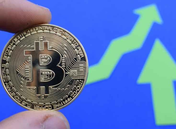 El bitcoin logra recuperar los 11,000 dólares tras año y medio gracias al impulso de la Libra de Facebook