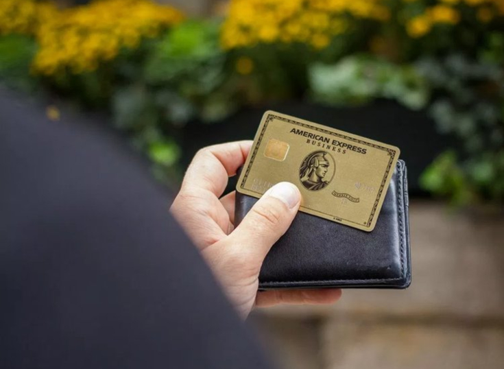 American Express anunció alianza con Starbucks y Uber Eats en México