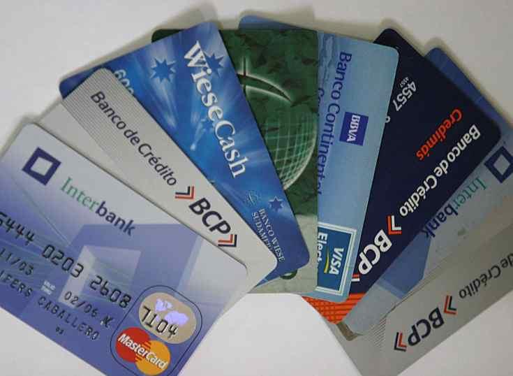 Modifican reglamentación de tarjetas en Perú