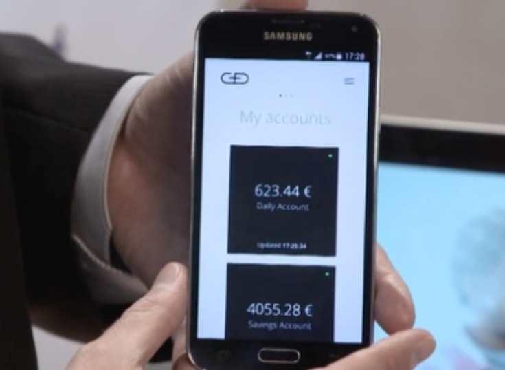 Nueva solución permite activar tarjetas bancarias tocándolas con un smartphone