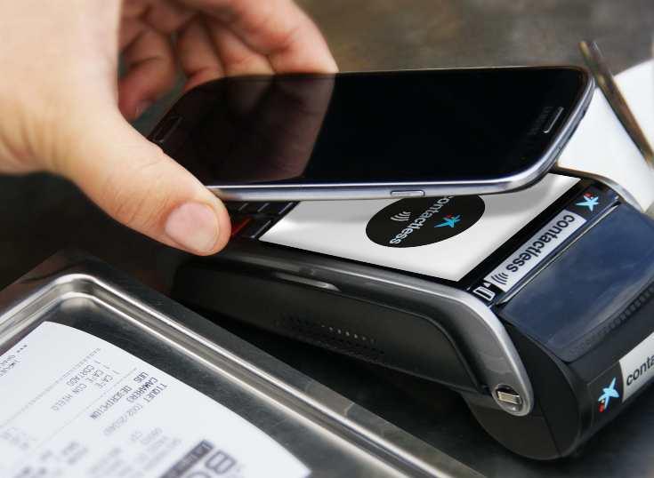 España: CaixaBank aumenta un 58% el número de clientes que pagan con el móvil