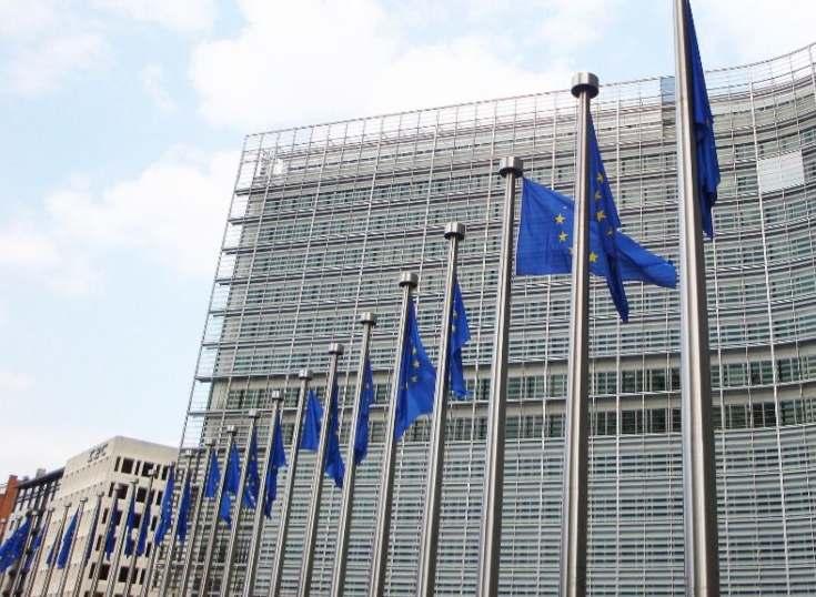 Bruselas pide a Visa, MasterCard y American Express más claridad en los pagos que escondan suscripciones